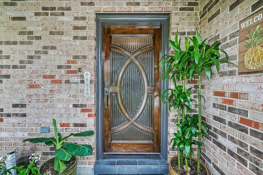 0907a - You'll be the ONLY one in your neighborhood with THIS door!
